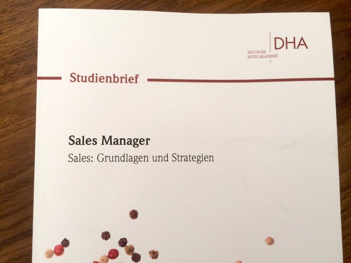 DHA Studienbrief Hotel Sales Manager